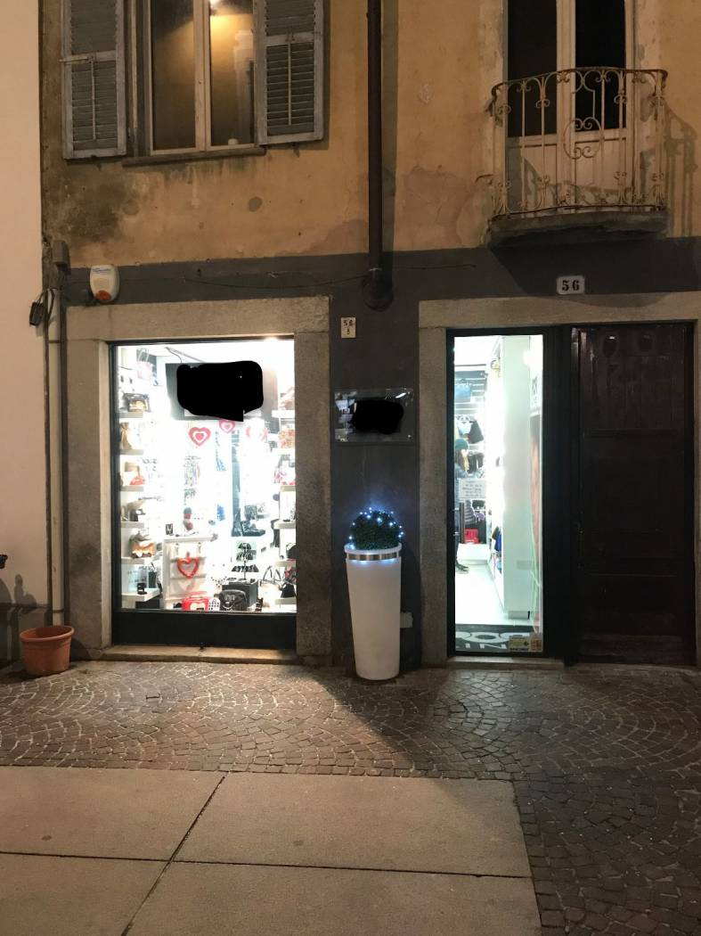 Showroom in Affitto Chieri